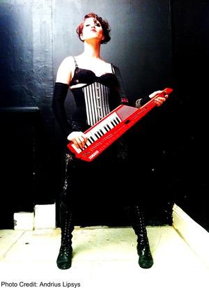 Amanda Palmer solo keytar